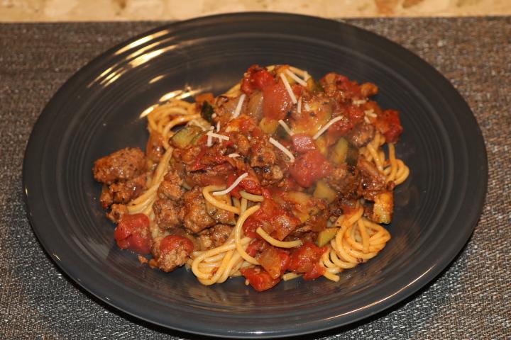 Beef Ragu Spaghetti w/ Zucchini & Italian Seasoning